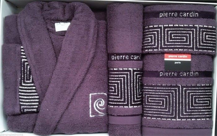 f56e1c81efb54 Purple Pierre Cardin Designer 100% Cotton Bath Robe & 3 Piece Towel Set M/L