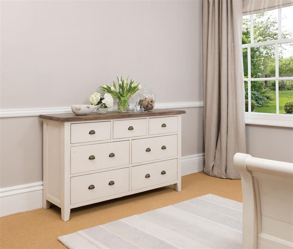 7 drawer wide chest cotswold bedroom furniture rh huckleberrywillow co uk cotswold grey bedroom furniture cotswold bedroom furniture sale