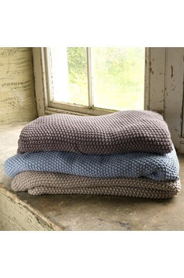 Soft Furnishings - Throws & Quilts