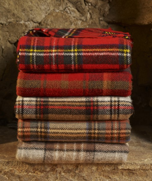 wool blanket online british made gifts red check royal stewart tartan picnic blanket. Black Bedroom Furniture Sets. Home Design Ideas
